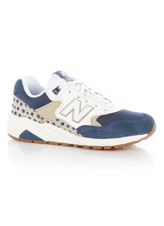 Op zoek naar New Balance WRT580 sneaker van suède ? Ma t/m za voor 22.00 uur besteld, morgen in huis door PostNL.Gratis retourneren.