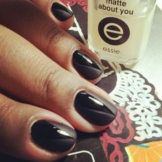 elsalonsito:  Quick mani. Playing around with different...