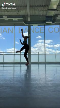 Choreography Videos, Dance Videos, Dance Flexibility Stretches, Gymnastics Tricks, Dance Rooms, Gym Workout For Beginners, Dance Tips, Dance Humor, Happy Vibes