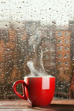 Fresh, hot coffee in a bright red mug chases away the gloomy autumn day. I Love Coffee, Coffee Art, Hot Coffee, Coffee Break, Coffee Drinks, Coffee Shop, Coffee Cups, Rain And Coffee, Coffee Maker
