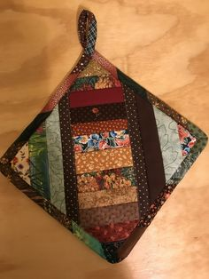 Sewing fabric scraps hot pads 56 ideas for 2019 Crazy Quilting, Diy Quilting, Beginner Quilting, Quilting Tools, Longarm Quilting, Quilting Ideas, Small Quilts, Mini Quilts, Sewing Hacks