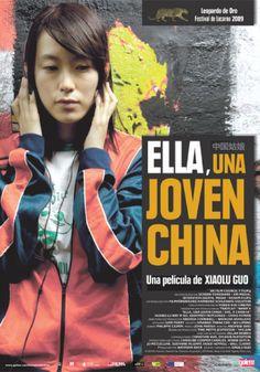Ella, una joven china (2009) de Guo Xiaolu. Mei es una joven china que decide abandonar su monótona vida en un pueblo por el ajetreo de Chongqing. Después de ser despedida de la fábrica donde trabaja, se enamora de Spikey, un asesino a sueldo cuyo pasado no tarda en pasarle factura. Sin pensárselo dos veces, se marcha a Londres, donde se casa con un hombre mayor, el Sr. Hunt. Empieza una nueva vida para Mei, que ahora se encuentra atrapada en el silencio de una casa inglesa... Chongqing, China, Movies, Movie Posters, Getting Fired, Assassin, Older Man, Saying Goodbye, Past Tense