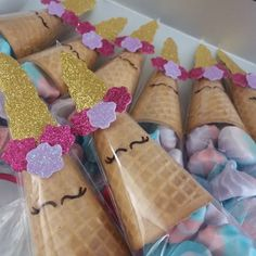 Cone suspiro unicórnio Diy Unicorn Birthday Party, Unicorn Birthday Parties, Birthday Party Decorations, Unicorn Baby Shower, Unicorn Crafts, Baby Party, Mothers, 4th Birthday Parties, Unicorn Party