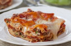 Classic Light Lasagna Recipe – Healthy To Fit Skinny Recipes, Ww Recipes, Dinner Recipes, Cooking Recipes, Healthy Recipes, Healthy Foods, Cake Recipes, Skinny Meals, Lasagna Recipes