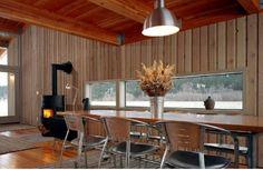 Seattle cabin style-slot window