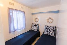 Mobil Home de alquiler en el camping situado en la Costa Dorada. Navy, Single Beds, Photo Galleries, Hale Navy, Old Navy, Navy Blue