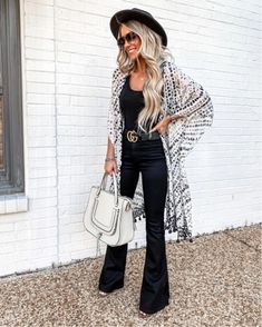Women Dress 2019 - New Spring Fashion For 2019 - 20 Fabulous Spring Outfits Outfits With Hats, Mode Outfits, Casual Outfits, Fashion Outfits, Womens Fashion, Outfits With Kimonos, Jean Outfits, Fashion Ideas, Womens Jeans Outfits