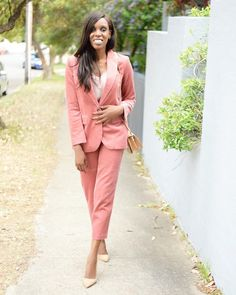 Corduroy blazer coordinates | For more style inspiration visit 40plusstyle.com