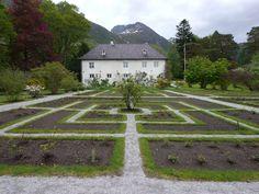 baroniet rosendal - Google-søk Villas, Stepping Stones, Places, Google, Outdoor Decor, Stair Risers, Villa, Lugares