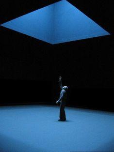 Scene from Comme un chant de David, directed by Claude Régy, 2001 - Theatre Stage Lighting Design, Stage Set Design, Set Design Theatre, Conception Scénique, Bühnen Design, Instalation Art, Scenic Design, Light Art, Oeuvre D'art