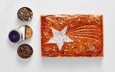 Que vous soyez entre collègues ou amis(es), échangez vos vœux autour d'une galette sortant de l'ordinaire qui étonnera vos papilles par la diversité de ses saveurs...  #LeFashionPost #SaintClairLeTraiteur #Galette #Epiphanie #Gastronomie #Interview