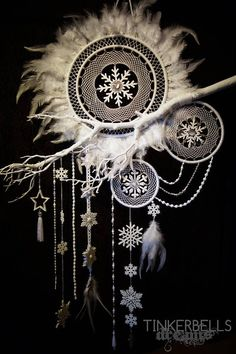 Dreamcatcher Christmas Winter white antique silver great classy elaborate snowflakes gift Christmas fairytale dream dream catcher – Top Of The World Big Dream Catchers, Dream Catcher Craft, Dream Catcher Mobile, Large Dream Catcher, Diy Tumblr, Argent Antique, Antique Silver, Wooden Snowflakes, Christmas Feeling