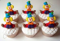 CUPCAKERIA ROSA - Bolos Artísticos e Cupcakes em Curitiba: Fevereiro 2012