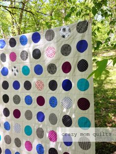 Malenas quilt top - crazy mom quilts A list of quilting sites: 100+