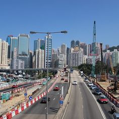 The buildings of Hong Kong. Yes I know no traffic. And yes unfortunately I see it that too the street light really takes away from the photo. - #hongkong #hongkongtravel #travelhongkong #causewaybay #hongkonginsta #hongkongbuildings #hongkongbuilding