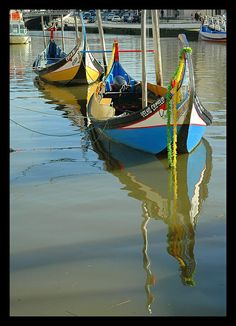 Moliceiro de Aveiro Boat Fashion, Yacht Boat, Azores, Wooden Boats, Life Is Good, Sailing, Beautiful Places, Sea, Lifestyle