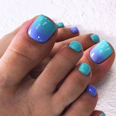 Simple Gradient Toe Nail Design ❤ Best Toe Nail Art Ideas For Every Season ❤. Simple Toe Nails, Pretty Toe Nails, Cute Toe Nails, Summer Toe Nails, Gel Toe Nails, Fingernails Painted, Toe Nail Polish, Summer Nail Art, Pink Toe Nails
