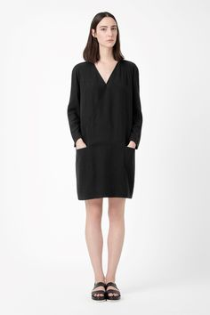 Dress with front overlap
