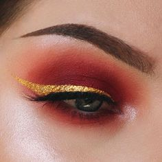Because I can't resist a red smokey eye ❤️ For this look I used @limecrimemakeup's Muse shadow from their Venus palette, a reddish orange shadow from the @morphebrushes 35O palette, @anastasiabeverlyhills shadow in Orange Soda to blur out the edges, and @makeupgeekcosmetics foiled shadow in Whimsical to highlight. The gold eyeliner, which I love, is @nyxcosmetics Glam Liner Aqua Luxe in Glam 24 Karat topped with NYX's Crystal Gold Liner and my false lashes are @velourlashesofficial lashes in…
