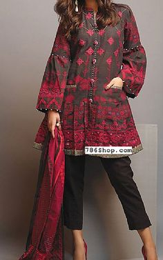 Best Women S Fashion Backpack Refferal: 6517557422 Beautiful Pakistani Dresses, Pakistani Formal Dresses, Pakistani Dress Design, Pakistani Outfits, Kurti Designs Pakistani, Pakistani Clothes Online, Pakistani Bridal, Girls Dresses Sewing, Stylish Dresses For Girls