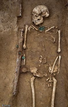 Gallic Iron Age burials recently unearthed on the outskirts of Troyes, south of Paris. The graves belonged to warriors of high rank, buried with a set of up to 70 cm long swords still in their sheath, torque (the traditional collar used by the Celts, worn by warriors and free men and women to indicate their nobility and their ability to act) and bronze brooches