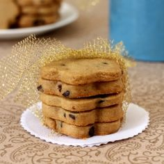 Addictive shortbread cookie that has coffee and chocolate in it. Must include to your Christmas baking gift ideas.