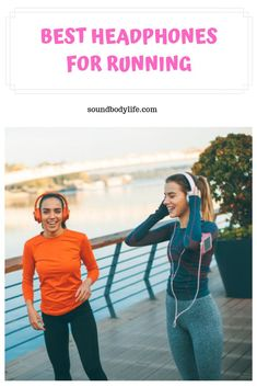 """Tired of """"headphones for runners"""" that always fall out? Find out which are really the best headphones for running in Best Earbuds For Running, Cross Country Running, Sports Headphones, Personal Fitness, Gym Gear, Athletic Wear, Going To The Gym, Fitness Inspiration, Snug"""
