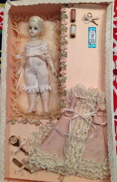 "Mignonette By Cathy Hansen, 5.5"" In Presentation Box With Accessories"