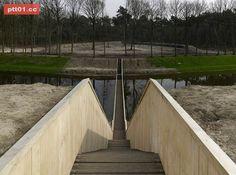 蓋錯了吧!這座橋怎麼會比水面低?但知道原因後,你一定會大力誇獎建築師的用心!! | PTT01