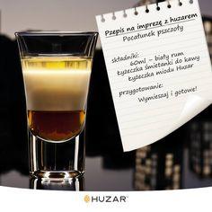 Bardzo delikatny, kobiecy, subtelny i pyszny szot. Słodki jak pocałunek, ostry jak pszczele żądło ;) #przepis #drink #miód #rum #Huzar #shot