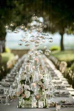 Sally and Kai, a lovely couple from Boston, traveled to Italy for their luxurious and romantic destination wedding in Tuscany.