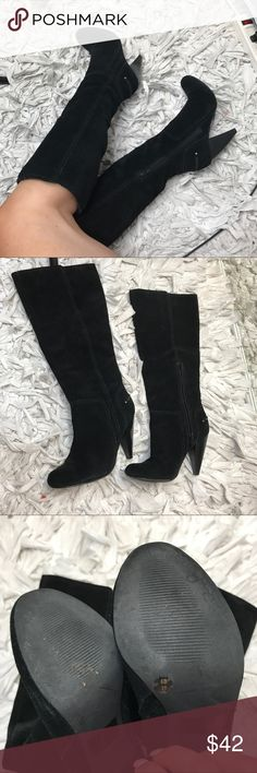 """Jessica Simpson Black Leather Suede Boots Jessica Simpson gently used size 6 leather suede boots! Gently used, no flaws. Great condition. Extremely comfortable. 3.5"""" thick heel! Runs true to size. Accepting all reasonable offers & bundles ♥️ Jessica Simpson Shoes Heeled Boots"""