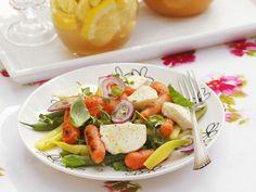 Bohnen-Karotten-Salat mit Mozzarella ist ein Rezept mit frischen Zutaten aus der Kategorie Gemüsesalat. Probieren Sie dieses und weitere Rezepte von EAT SMARTER!
