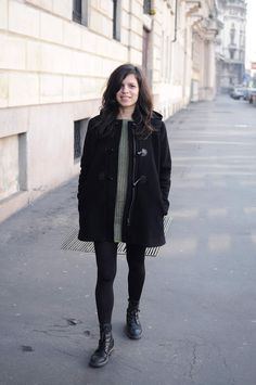 Ladulsatina sewing - Cascade Duffle Coat - Grainline Studio   Casual winter outfit: black duffle coat + cashmere green dress, all me-made
