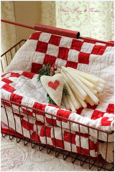 Aiken House & Gardens: More Red & White Kitchen Touches - red and white quilt in red wire basket Country Christmas, Christmas Home, White Christmas, Cottage Christmas, Christmas Foods, Simple Christmas, Red And White Kitchen, Two Color Quilts, Red And White Quilts