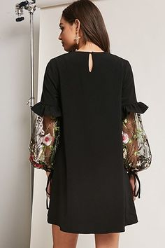 Swans Style is the top online fashion store for women. Shop sexy club dresses, jeans, shoes, bodysuits, skirts and more. Iranian Women Fashion, Womens Fashion, Striped Top Outfit, Hijab Fashion, Fashion Dresses, Casual Dresses, Short Dresses, Fashion Details, Fashion Design