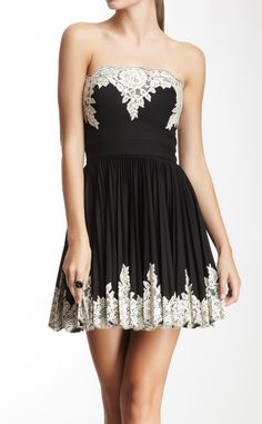 Lace Applique Pleated Dress