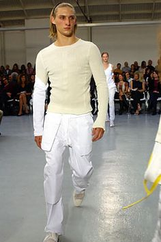 Helmut Lang Spring 2003 Ready-to-Wear Collection Slideshow on Style.com