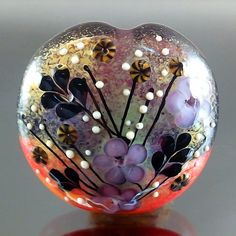 pretty glass bead!