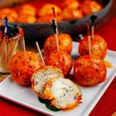 Buffalo Chicken Meatballs Recipe Not Given - Top Meatballs Of Your Choice With Buffalo Sauce # Food and Drink healthy buffalo chicken Think Food, I Love Food, Good Food, Yummy Food, Fun Food, Buffalo Chicken Meatballs, Chicken Meatball Recipes, Meatballs 2, Cheesy Meatballs