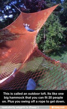 Huge backyard hammock // que tal uma grande rede no quintal de casa? Future House, My House, Backyard Hammock, Diy Hammock, Hammock Ideas, Outdoor Hammock, Hammock Posts, Outdoor Forts, Hammock Beach