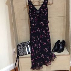 Flowy flower dress Black flower dress.  Flow to the side. Breakin Loose Dresses Midi