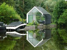 Recreatie woning op een eiland. Bekijk het hele project en vind meer informatie voor het creëren van je droomhuis op Walhalla.com