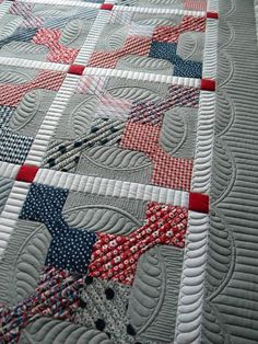 Sew Kind Of Wonderful: beautiful quilting on bow tie pattern
