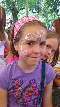 arcfestés gyerekeknek  minta lányoknak  gyereknap Dunaharaszti Lany, Carnival, Painting, Carnavals, Painting Art, Paintings, Painted Canvas, Drawings