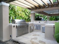 Outdoor Kitchen Pergola Built-in Grill Parrilla Exterior, Kitchen Shades, Outdoor Kitchen Countertops, Basic Kitchen, Built In Grill, Bbq Area, Grill Area, Outdoor Kitchen Design, Outdoor Kitchens