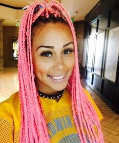 Pink box braids looks cute doe