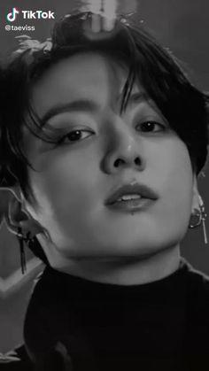 Bts Jungkook, Jungkook Songs, Bts Aegyo, Hoseok Bts, Estilo Bad Boy, Foto Jimin, Applis Photo, Bts Beautiful, Bts Face