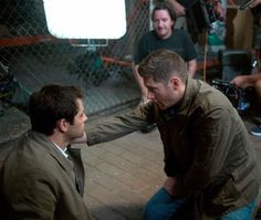 RT if you enjoyed tonight's episode of #Supernatural directed by @JensenAckles! #ActionAckles #SPNFamiIy