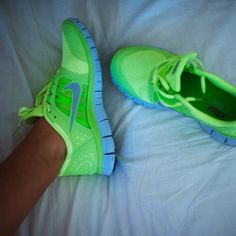I don't like Nike running shoes...but I do like neon!